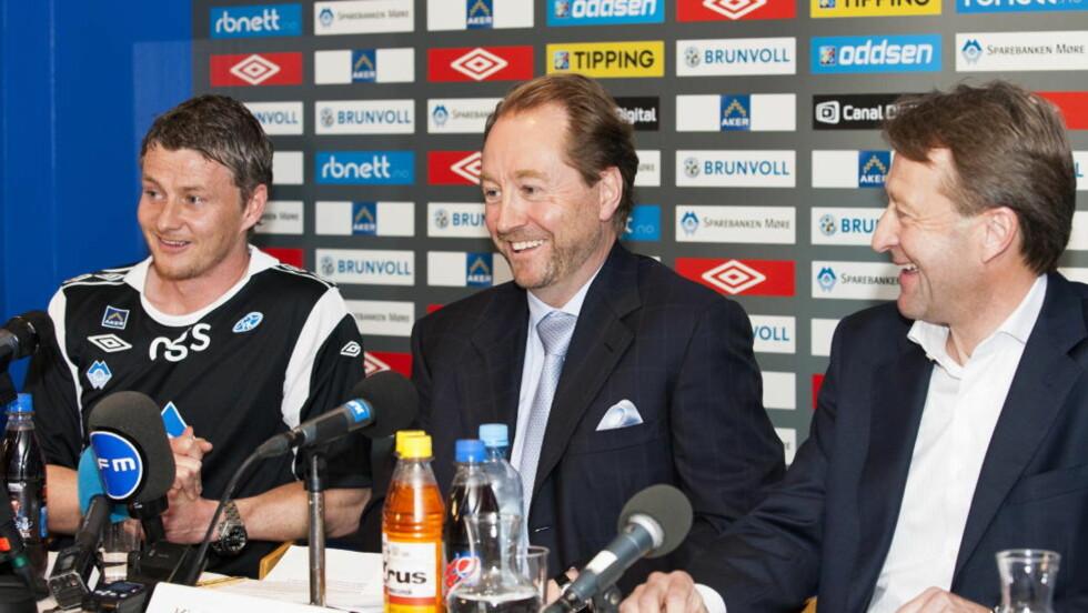 EIER SPILLERE: Bjørn Rune Gjelsten har sju hel- eller deleide spillere i Molde. Han synes imidlertid UEFA tar opp et relevant tema når de stiller seg kritiske til at investorer kjøper og eier spillere for klubbene.   Foto: Svein Ove Ekornesvåg / NTB scanpix