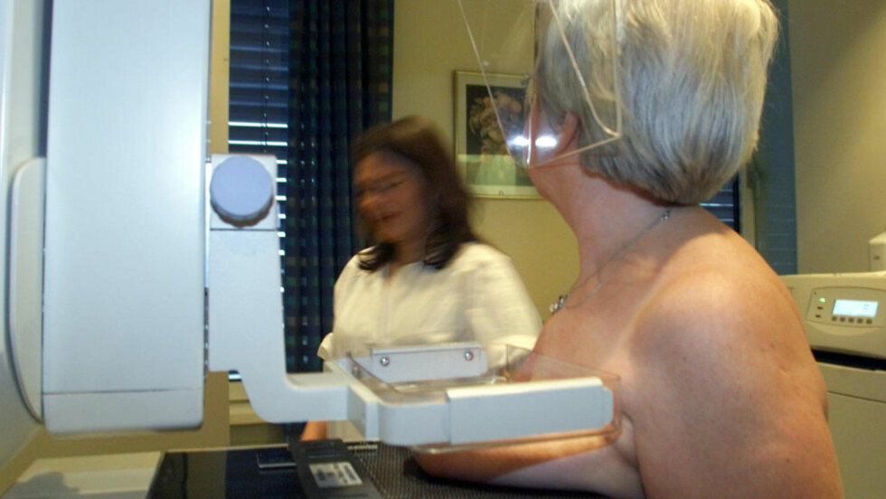 OVERDIAGNOSTISERING: Kun 47 kvinner har fått livet reddet etter ti år med mammografiscreening i Norge. 40 ganger så mange, kanskje rundt 1900 kvinner, er skadet unødig av overdiagnostisering. Illustrasjonsfoto: Lise Åserud / NTB Scanpix