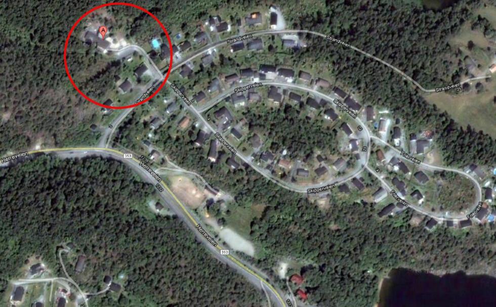 KIDNAPPET: En femåring ble kidnappet av sin egen mor, på vei til barnehagen på Uksodden på Herre (rød ring) i dag tidlig.  Foto: Google Maps