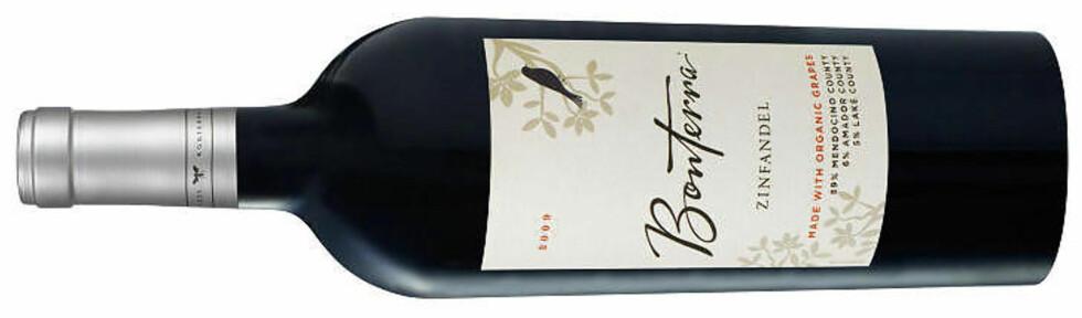 UKAS GRØNNE: Bonterra Organically Grown Zinfandel 2009 fra California. Til oksekjøtt med masse smak trenger du vin med litt fart i. Ingen er da bedre enn amerikanernes egen zinfandeldrue.