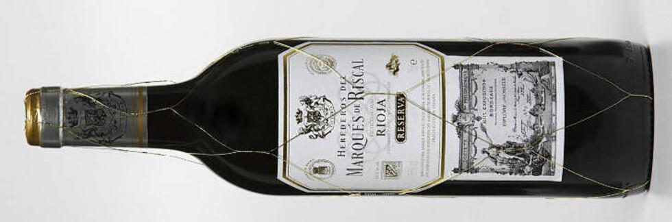 LETTDRIKKELIG SPANSK: Marqués de Riscal Reserva 2006 fra Rioja - passer godt til lam og okse.