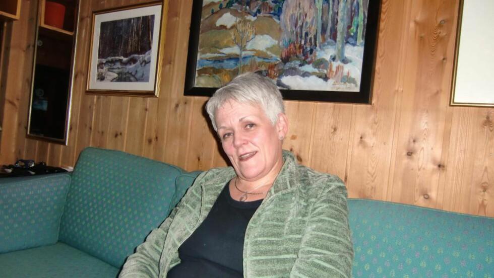Desember 2011: Marie Madeleine Larsen har brukt et titalls navn, og var sist kjent som Maria Kristoffersen. Her på besøk i et privat hjem i Elverum før jul. Foto: Privat.