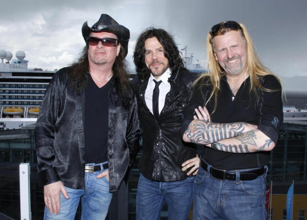 TN-TROIKA: TNTs tre vokalister. Fra venstre Dag Ingebrigtsen (sang i bandet fra oppstarten i 1982 til 1984) Tony Harnell (vokalist 1984-2006) og Tony Mills (vokalist siden 2006). Foto: Arne Nordtømme