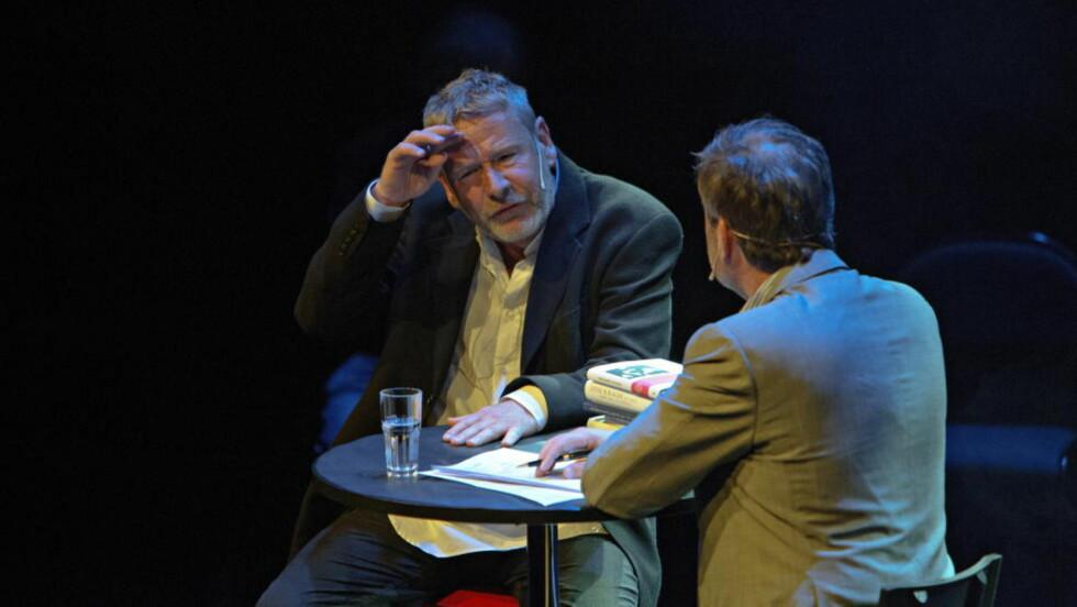 BØRS ELLER KATEDRAL? Det var i en debatt ledet av Arve Juritzen Tomas Espedal sa at bøker generelt er dårligere jo mer de selger. Forholdet er rimelig mye mer komplekst i virkeligheten. Foto: Lars Eivind Bones / Dagbladet