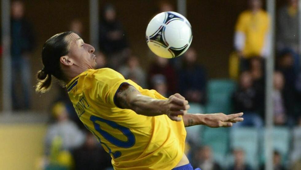 VIL HA TRØYE NUMMER 10: Zlatan Ibrahimovic bærer trøye nummer 10 på landslaget - spissen ønsker det samme på klubblaget. Foto: AP Photo / Scanpix Sweden/Bjoern Larsson Rosvall/NTB Scanpix