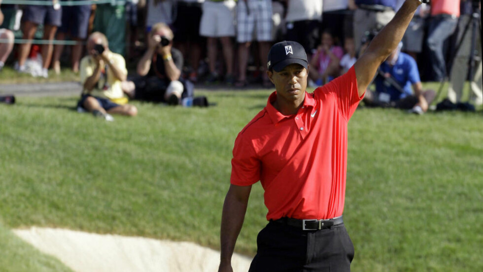 STORSPILTE: Tiger Woods etter birdie på det 18. hullet i Dublin, Ohio. Foto: SCANPIX/AP/Tony Dejak