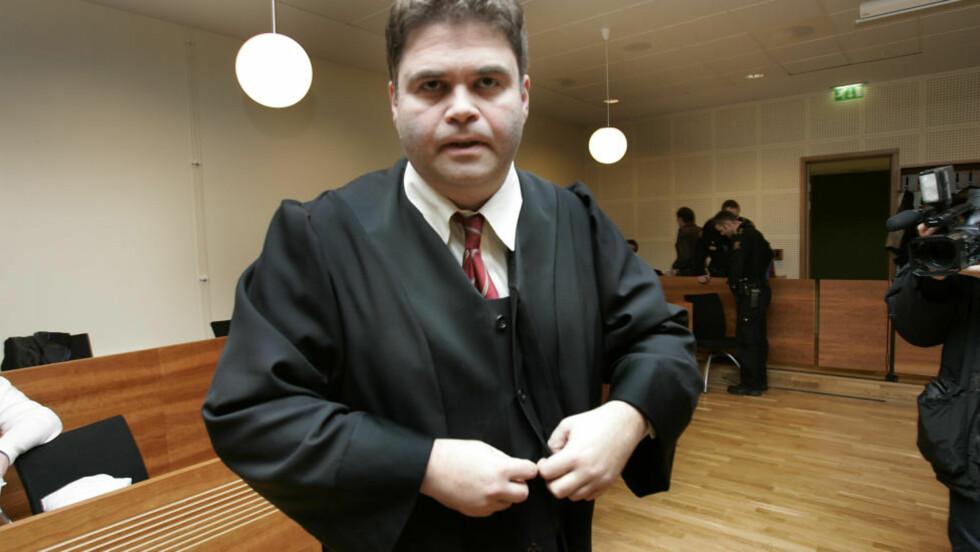 - UNDERSLO KLIENTMIDLER:   Statsadvokat Olav Helge Thue har tatt ut tiltale mot Oslo-advokat for underslag av nesten seks millioner kroner av klientenes muidler. Foto: Heiko Junge, NTB Scanpix.