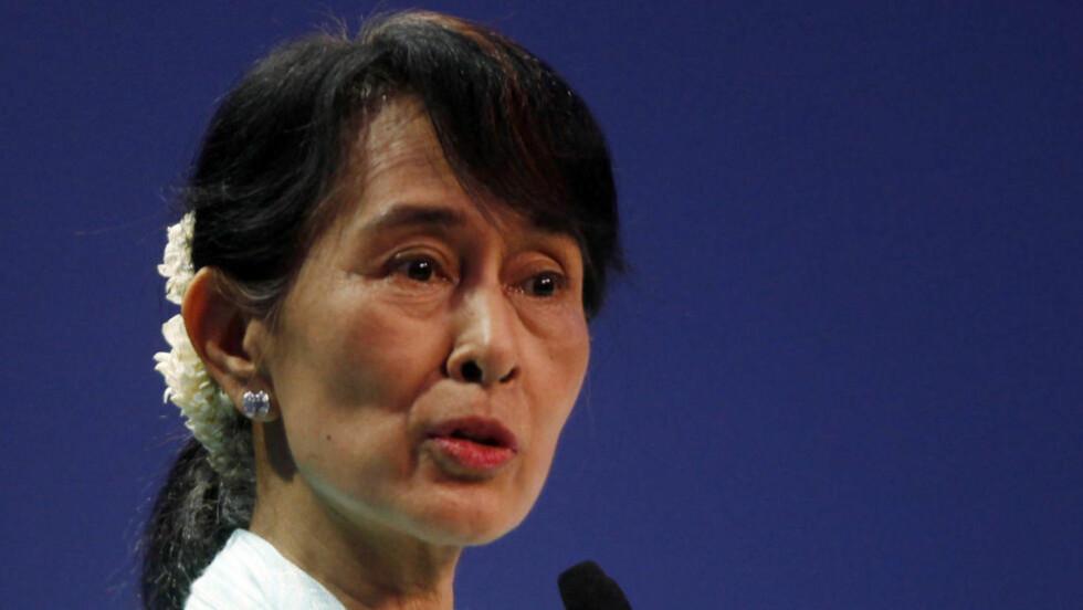 POPULÆR: Aung San Suu Kyi taler på konferansen til World Economic Forum i Bangkok før helga. Foto:Reuters