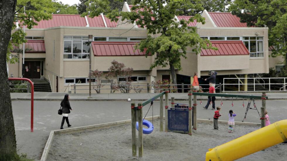 MYSTISK PAKKE: False Creek Elementary School i Vancouver i Canada mottok en pakke med en hånd i, en annen skole mottok en fot. Foto: REUTERS/Andy Clark/NTBScanpix