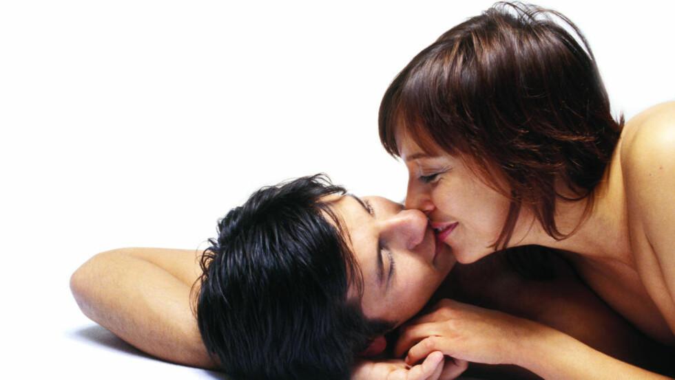 BY PÅ DEG SELV: Et godt sexliv krever selvtillit. Vær mindre streng med deg selv, råder ekspertene.  Foto: Colourbox