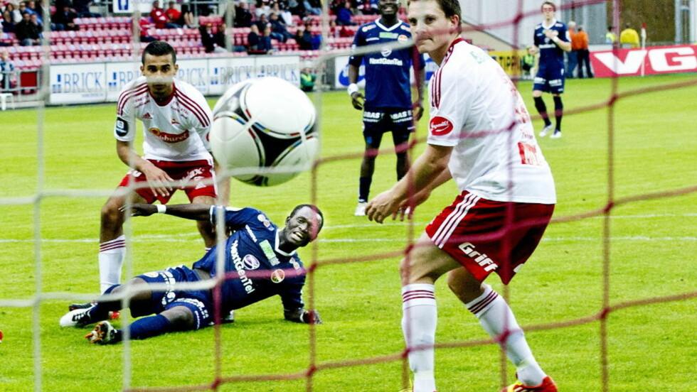 TØFFE TIDER: Det går dårlig for Fredrikstad, både sportslig og økonomisk. Foto: John T. Pedersen / Dagbladet