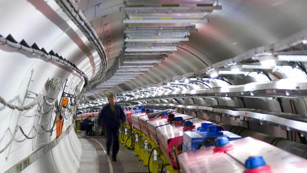 SISTE SPIKER i kista: Hele fire forsøk bekrefter det mange har mistenkt: Partiklene som så ut til å bryte lyshastigheten var i realiteten en målefeil. Foto: AP Photo/CERN/Scanpix
