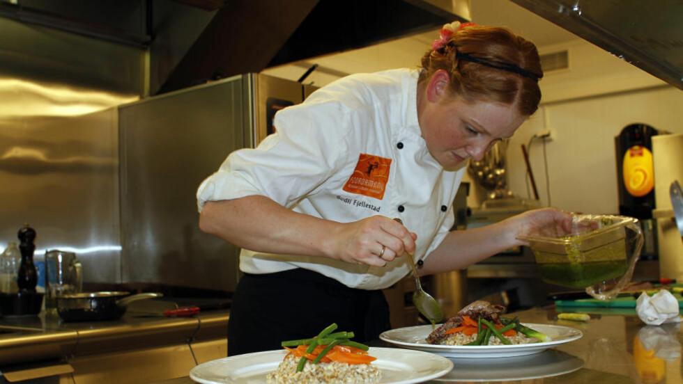 GLOPPEN: Kjøkkensjef Bodil Fjellestad var med og skaffet Gloppen Hotell seieren i Ganefart 2010. Foto: OLE C. H. THOMASSEN