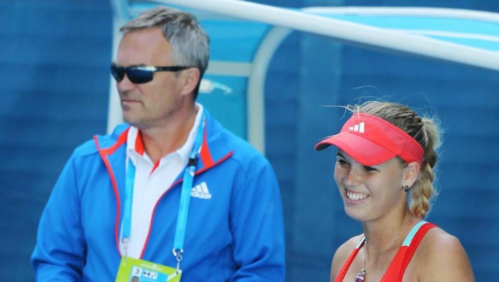 SLUTT: Samarbeidet mellom Caroline Wozniacki og trener Ricardo Sanchez varte ikke lenge.Foto: SCANPIX/EPA/HOW HWEE YOUNG