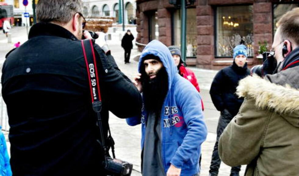 NÅ:  20. januar i år var Bhatti en av personene bak demonstrasjonen mot krigføringen i Afganistan. Under demonstrasjonen angrep Bhatti en fotograf fra VG. Foto: John T. Pedersen / Dagbladet
