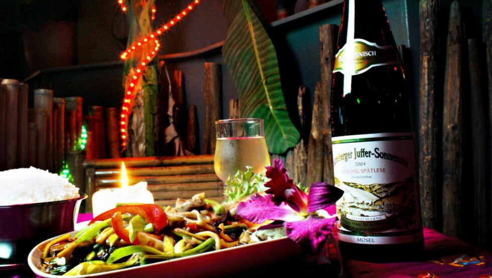 NAM: Det er en myte at det ikke passer med vin til asiatisk mat. Tyskland er det vinlandet som har flest og best viner som passer godt til sushi og thaimat. Foto: FRANK KARLSEN