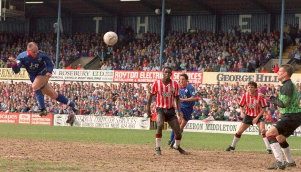 REDDET: Oldham sikret seg nok et år i Premier League tilbake i 1993. Foto: FourFourTwo/Haymarket