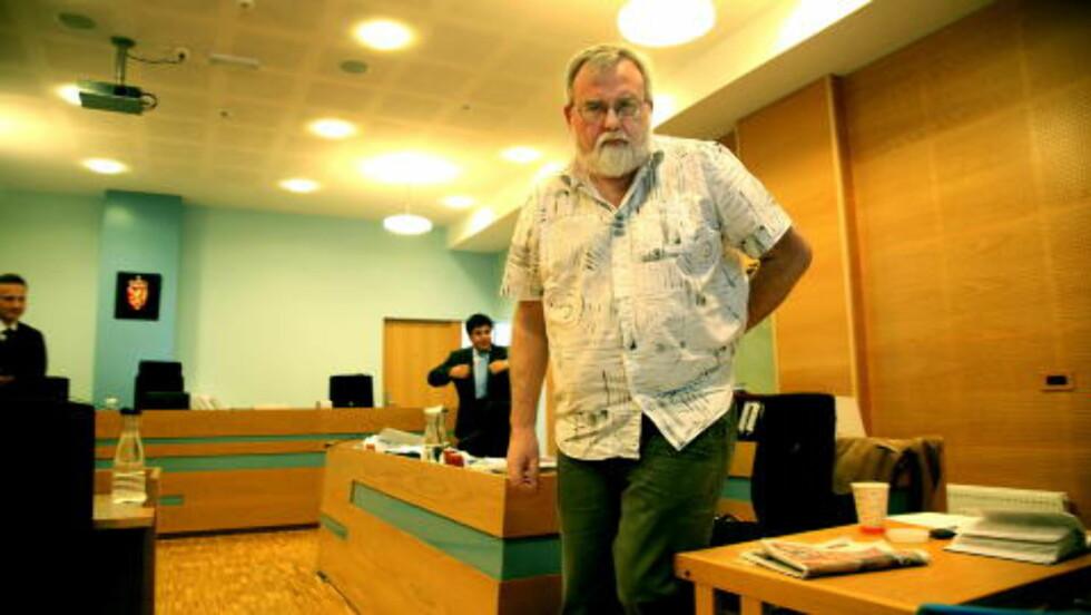 - DRITTPAKKE: Daglig leder Kjell Gunnar Larsen (55) mener Frantzens forklaring av medlemsjukset SOS Rasisme er dømt for er en drittpakke. Her forklarer han seg i Haugaland tingrett. Foto: Jacques Hvistendahl