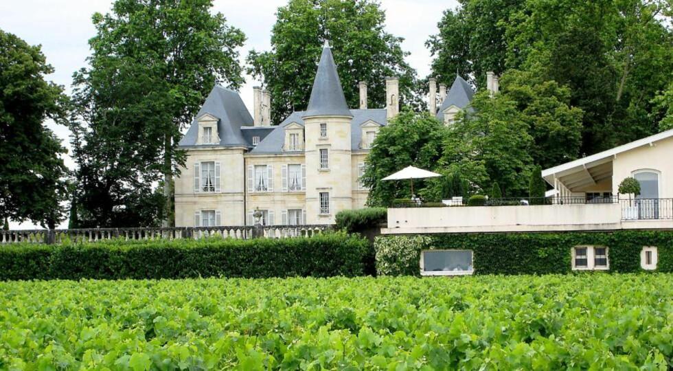 VAKRE SLOTT: I Bordeaux-området  finner vi noen av verdens dyreste viner og vakreste vineiendommer. Dette er Chateau Pichon Longueville Comtesse de Lalande i Pauillac.