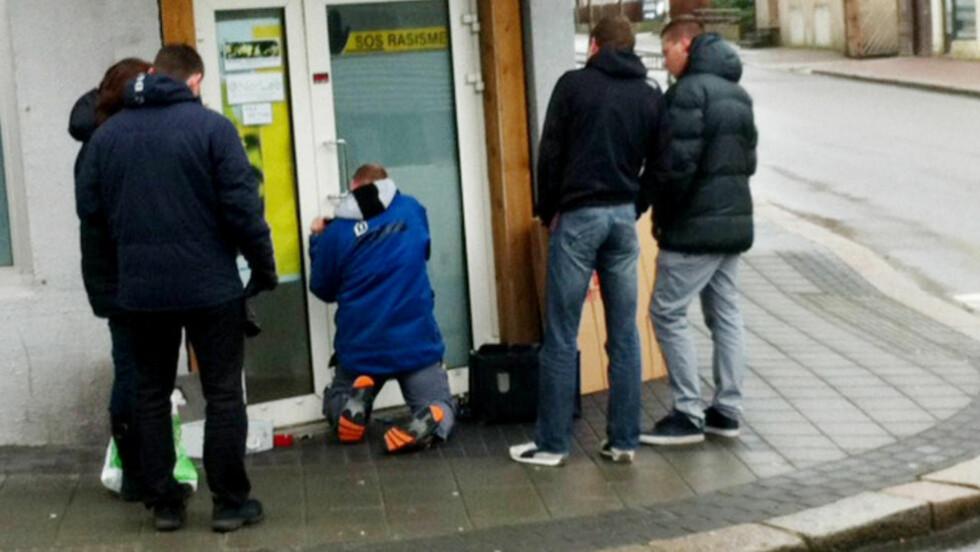 RAIDET I DAG: Her slår politiet til mot SOS Rasisme sitt hovedkontor i Haugesund. Foto: Jacques Hvistendahl / Dagbladet