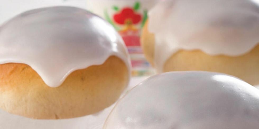 BOLLER MED FYLL: Se oppskriften på hvordan du får fyllet inni bollene. FOTO: Mari Svenningsen