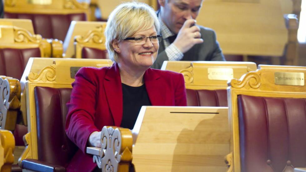 SETTESTATSRÅD:  Kristin Halvorsen (SV) tar midlertidig over for partifelle Audun Lysbakken etter at han trakk seg som barne- og likestillingsminister. Foto: Heiko Junge / Scanpix