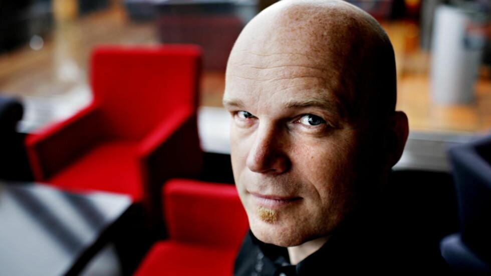 SKUMMEL SERIE: Arne Svingen er klar med en ny lettlestserie for barn, «Svingens mørke verden». Foto: Lars Eivind Bones/Dagbladet.