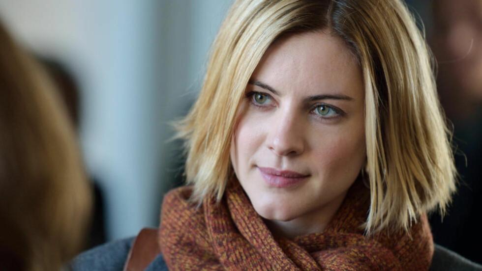 MIDDELS KRIM: Malin Crepín spiller Annika Bengtzon i «Nobels testamente», bygget på Liza Marklunds roman.