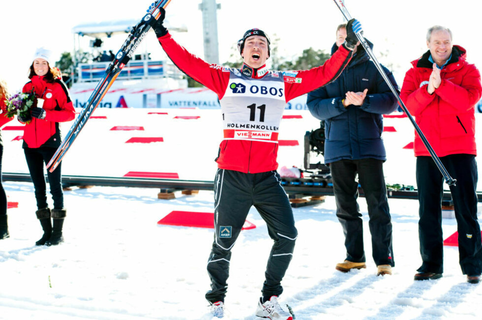 DRØMMEN BLE OPPFYLT:  En mer enn glad Eldar Rønning hylles etter seieren på 5-mila i Holmenkollen. FOTO: Thomas Rasmus Skaug / Dagbladet.