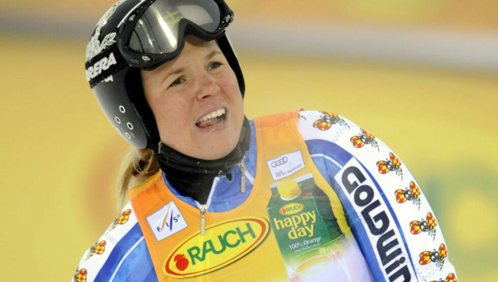 Anja Parson of Sweden reacts after the first round of the FIS Alpine World Cup women's slalom competition in Levi on November 14, 2009. AFP PHOTO - LEHTIKUVA / Mikko Stig *** FINLAND OUT ***