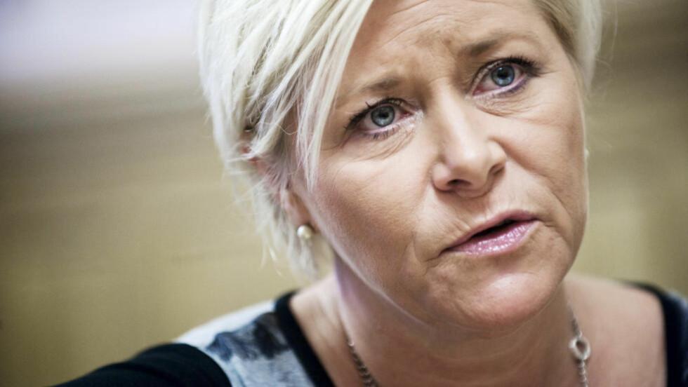 FORUROLIGET: Frp-leder Siv Jensen er bekymret over SSBs nye rapport, og tilskriver den rødgrønne regjeringen mye av skylden for problemene som kan oppstå i forbindelse med veksten i antall innvandrere til Norge. Foto: BENJAMIN A. WARD / DAGBLADET