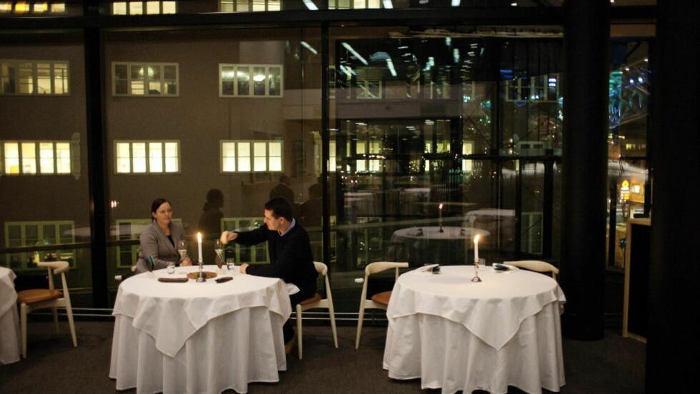 TO STJERNER: Den norske restauranten Maemo i Bjørvika har fått to stjerner i Michelin-guiden. Robinson og Fredag har tidligere besøkt restaurant Maaemo og ga den seks stjerner av seks mulige. Foto: Jo Straube