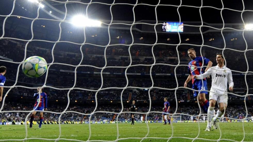 FULL KONTROLL: Cristiano Ronaldo setter inn sitt andre og Real Madrids fjerde mål mot CSKA Moskva i kveld. Foto: Javier Soriano, AFP/Scanpix