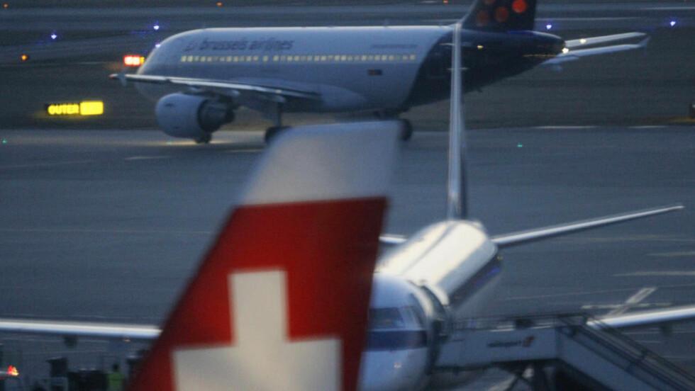 HJEMME IGJEN: Et fly fra Brussels Airlines brakte torsdag overlevende barn hjem etter bussulykken i Sveits hvor 28 personer mistet livet. Her er flyet avbildet før avgang fra flyplassen i Genève. Foto: Robert Pratta / REUTERS / SCANPIX