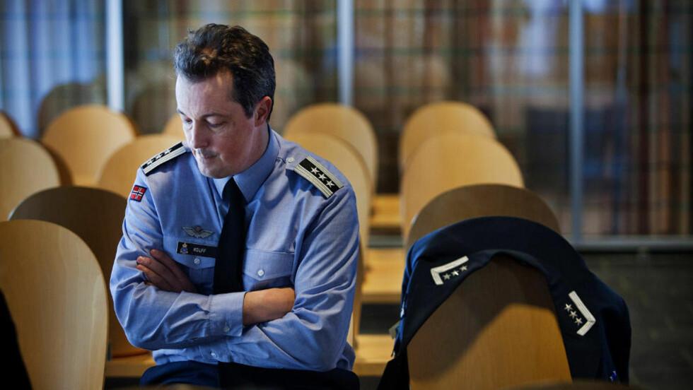 PREGET AV SITUASJONEN:  Stasjonssjef Diederik Willem Kolff beskriver arbeidsmiljøet som godt og lite familievennlig. De tilbringer mye tid på jobb. Foto: Jo Straube / Dagbladet