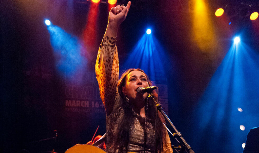 NUMMER ÉN I EUROPA: Rita Engedalen og bandet Backbone kunne i går juble etter å ha vunnet den gjeve blueskonkurransen. Foto: Roald Jungård