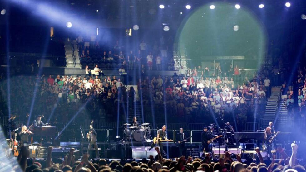 E STREET MØTER SEEGER SESSIONS: Bruce Springsteen og E Street Band åpnet verdensturneen som fører dem til Oslo og Bergen i sommer i Atlanta natt til mandag norsk tid. Foto: David GoldmanAP/Scanpix
