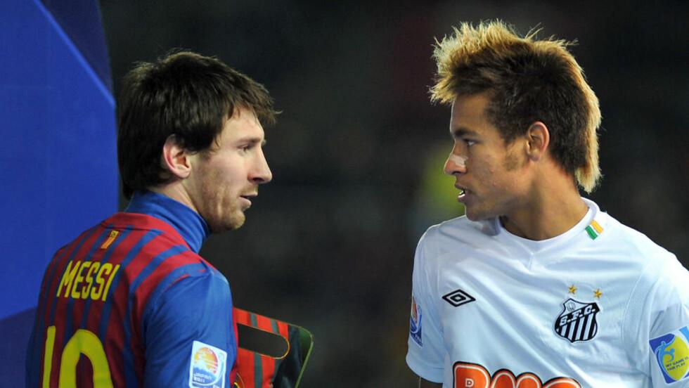 LAGKAMERATER FRA 2014?: Neymar skal ha inngått en avtale som gjør han til Barcelona-spiller fra 2014. I så fall blir han lagkamerat med Lionel Messi, hvis argentineren fortsatt er i klubben. Foto:  AFP PHOTO/KAZUHIRO NOGI