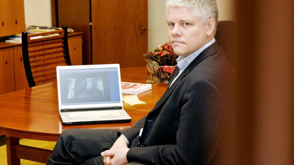 REAGERER : Informasjonsdirektør i Datatilsynet, Ove Skåra, mener tabben der Altinn sendte en rekke brukere inne på selvangivelsen til Oslo-mannen Kenneth, er krenkende. Foto: SCANPIX