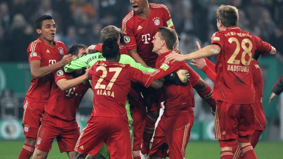 DRØMMEFINALE: Bayern München møter Borussia Dortmund i finalen. Foto: AFP PHOTO / PATRIK STOLLARZ