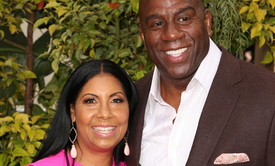 FORTSATT SAMMEN: Cookie og Magic Johnson har akkurat feiret 25-års bryllupsdag. Ekteskapet fikk den verst tenkelige starten da Magic ble erklært hiv positiv 45 dager etter bryllupet.Foto: FayesVision/WENN.com/NTB Scanpix
