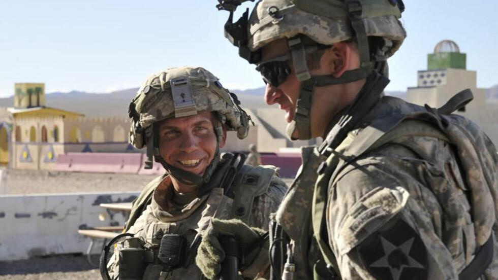 FLERE DRAP:  Den amerikanske soldaten Robert Bales (til venstre - her fra Fort Irwin-basen i California) blir siktet for flere drap enn de 16 som var kjent fra massakren i Kandahar. Arkivfoto: AP/DVIDS/SCANPIX.