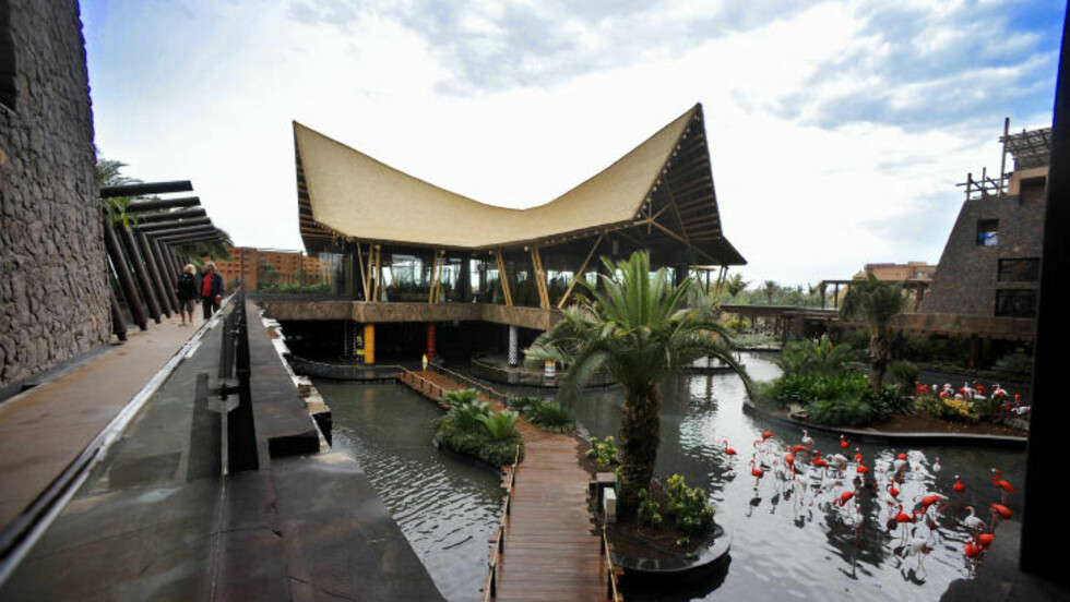 BAOBAB RESORT: Hotell med 667 rom og suiter, bygget i afrikansk stil i det nye ferieområdet Meloneras. Foto: JOHN TERJE PEDERSEN