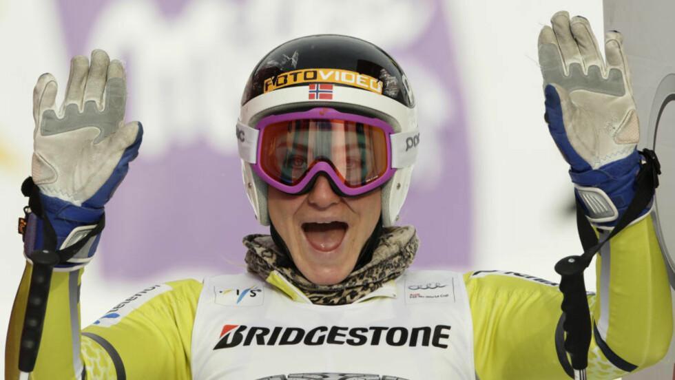 TRE PÅ RAD: Lotte Smiseth Sejersted tok sitt tredje strake NM-gull da hun vant super-G i Hafjell. Foto: SCANPIX/REUTERS/Wolfgang Rattay