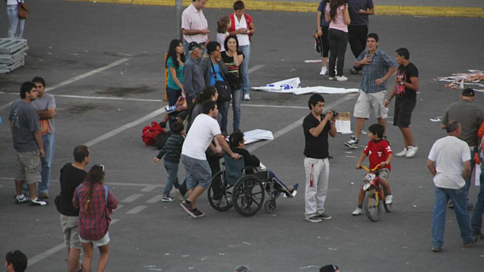 JORDSKJELV: Det ble iverksatt evakuering av folk som bor langs kysten i Chile, i frykt for en tsunami. Det er ikke meldt om noen skadde etter skjelvet. Foto: AP Photo/Fabian Suazo/Scanpix