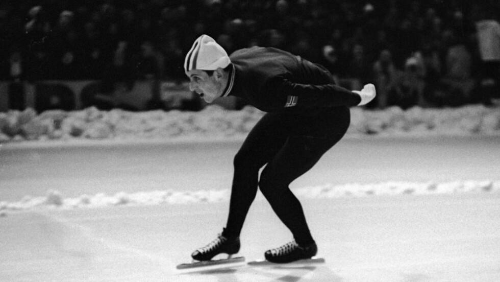 NY TENDENS: Trønderen Magne Thomassen (anmelderens favoritt) var en av de første alrounderne på 1960-tallet. Han fikk sølv i to VM og ble også den første som vant NM i sprint. Han toppet adelskalenderen i to dager fra 5. til 7. februar før Kees Verkerk tok tilbake førsteplassen. Foto: NTB / Scanpix