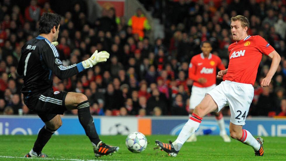 VIL TILBAKE TIL SERIESTART: Manchester Uniteds Darren Fletcher har tatt en pause fra fotball på grunn av sykdom. Nå håper han å være tilbake til seriestart neste sesong. Foto: AFP PHOTO/ANDREW YATES