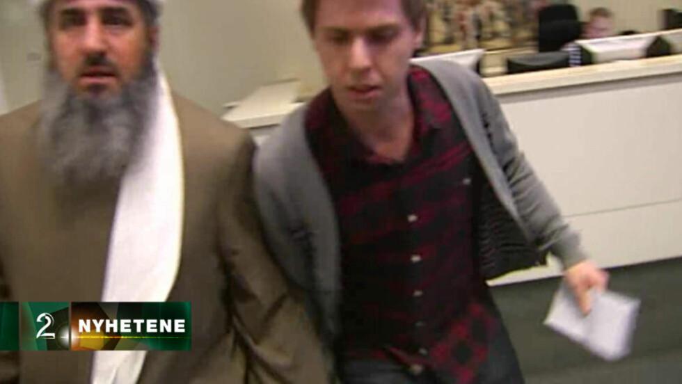 TUMULTER : Mullaen tente på alle pluggene da TV 2 spurte om en kommentar til dommen som ble avsagt i Oslo tingrett i dag. Faksimile: TV2