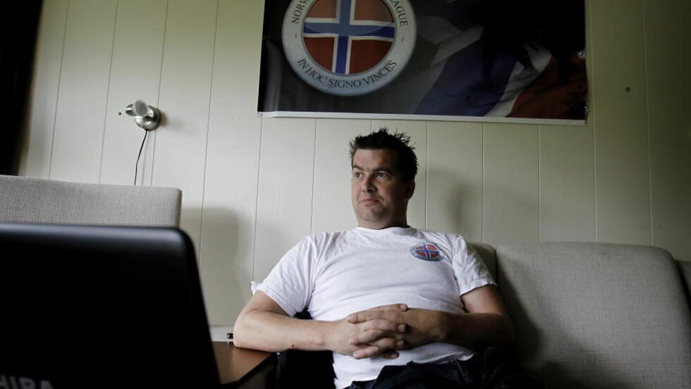 KNYTTER KONTAKTER:  Ronny Alte er talsmann og leder for Norwegian Defence League og skal delta i demonstrasjonen i morgen. Han forventer mellom 200 og 400 deltagere. Foto: Erling Hægeland / Dagbladet