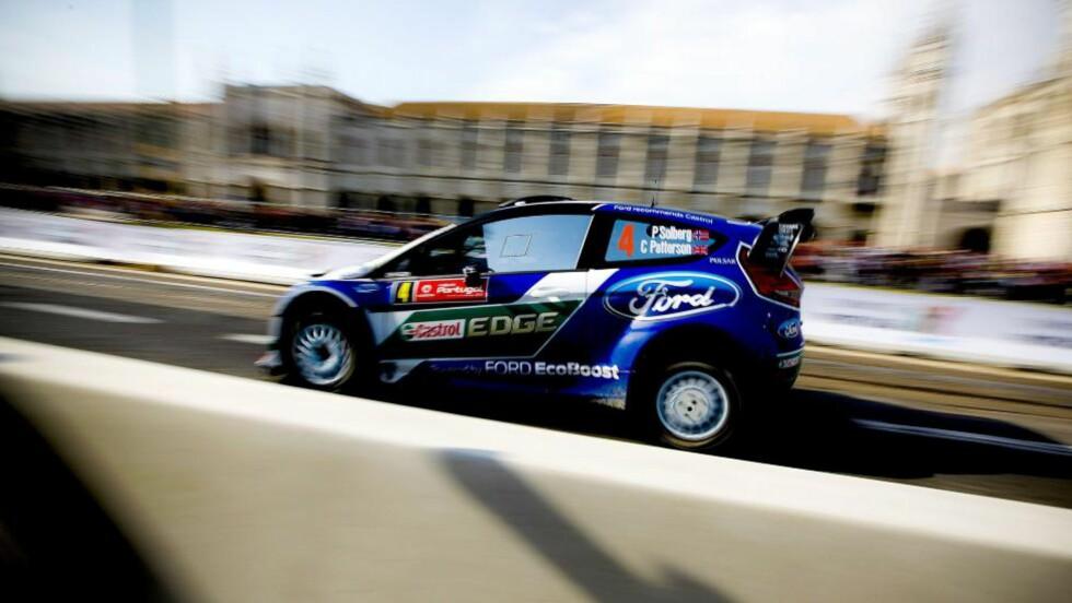 TAPTE TERRENG: Petter Solberg er hektet av i tetkampen av Rally Portugal etter at han kjørte ut på en av dagens fartsprøver.Foto: EPA/MARIO CRUZ/NTB scanpix